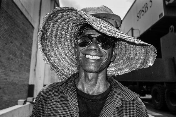 people port worker03BW.jpg