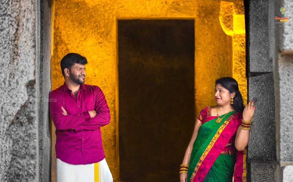 candid wedding photographers chennai.jpg